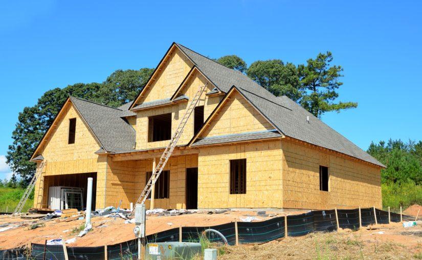 Zgodnie z bieżącymi wzorami nowo konstruowane domy muszą być gospodarcze.