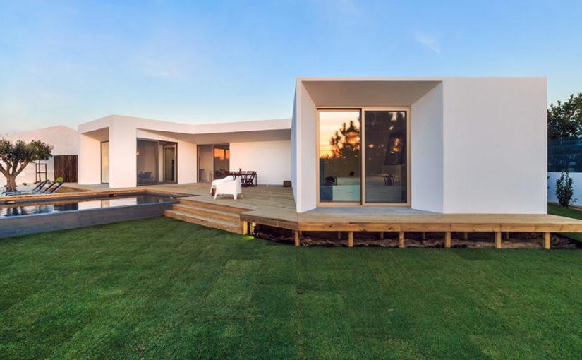 Czas budowy domu jest nie tylko szczególny ale również wyjątkowo skomplikowany.